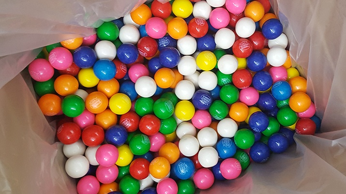 Tester Bananatag gumballs for IABC